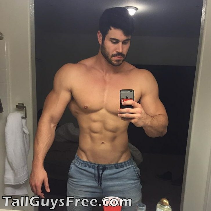 Muscle / Danny Jones