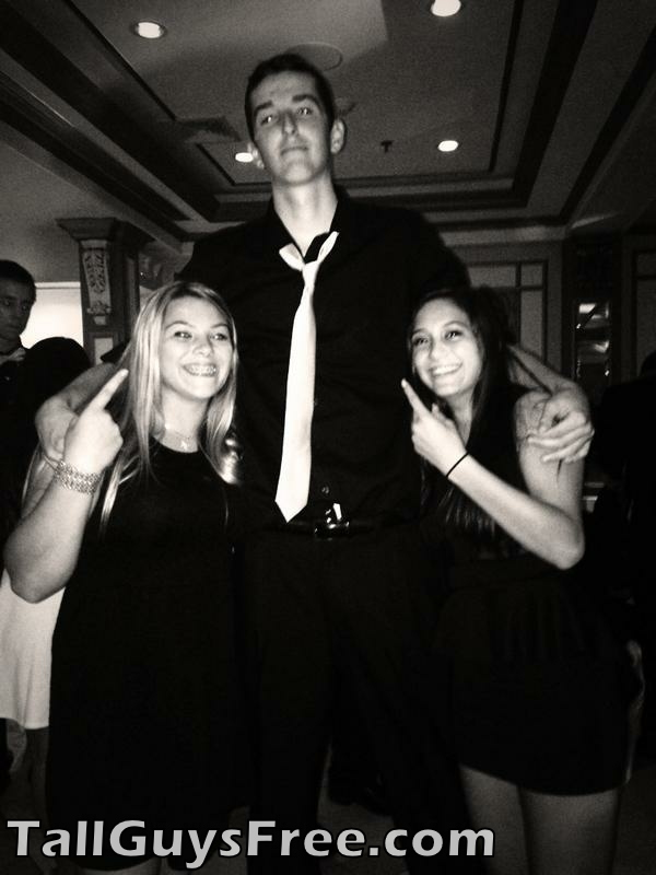 7 foot at party