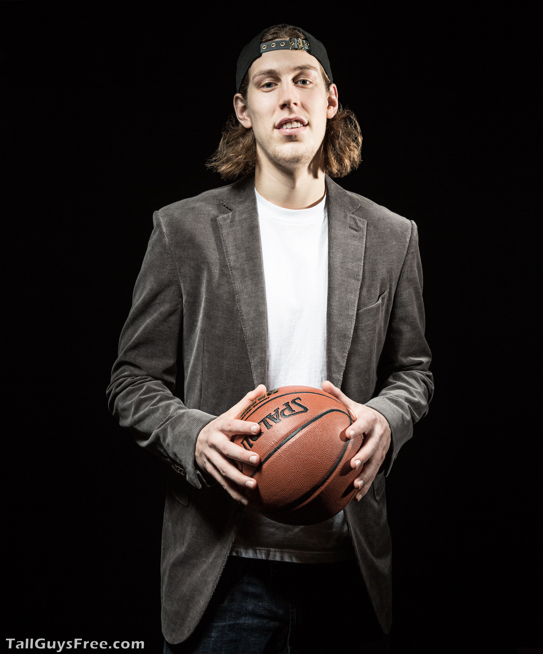 Kelly Olynyk Shoe Size