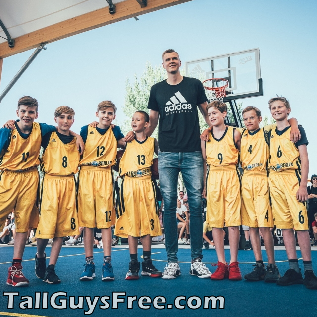 Kristaps Porzingis is a Giant