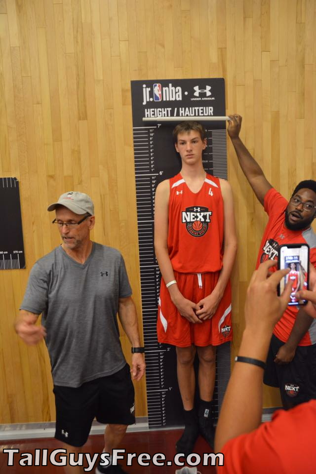 Olivier Rioux too tall